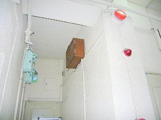 木製の電話配線ボックス