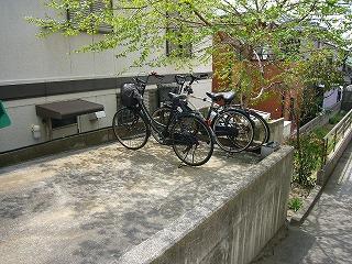 改修前1階自転車置き場